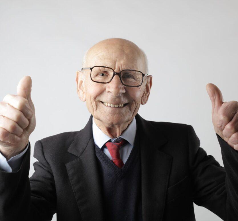 vrolijke senior